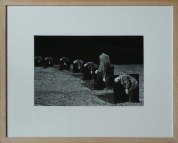 """Gilbert Garcin, """"L'égoïste"""", 1993-2001 - photographie noir & blanc - éd. 5/8 - Collection Géotec, achat 2018"""