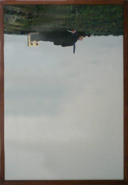 """Philippe Ramette, """"Inversion de pesanteur"""", 2003 - tirage chromogénique contrecollé sur aluminium - éd. 1 /5 - Collection Géotec, achat 2009"""