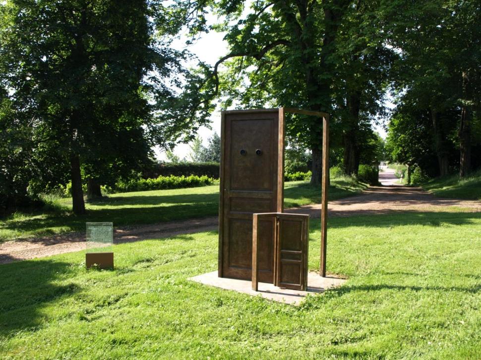 """Michel Gérard, """"La Porte du Champ"""", 2005 - bronze - Collection Géotec, achat 2005"""